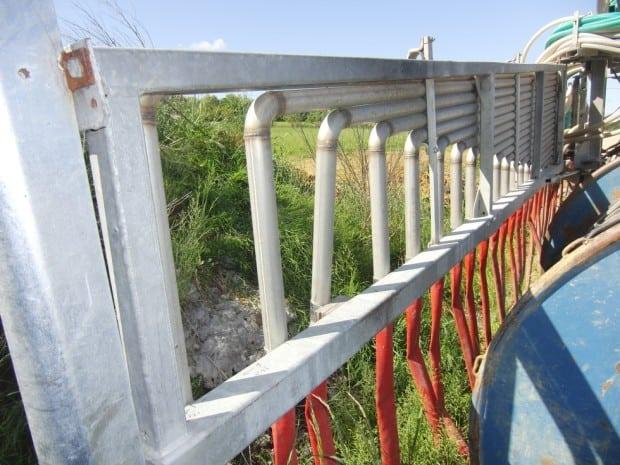 La rampe de 12 m de la cuma de Piacé, reconditionnée avec des canalisations en inox (Crédit Gérard Poujol).