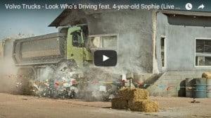 Un camion, une télécommande, une enfant... génial.