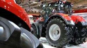 Le tracteur 570 Massey Ferguson sur Agritechnica 2015. La relève est là avec le Valtra N, les Fendt 500 et 700... Agco n'a plus qu'à confirmer.