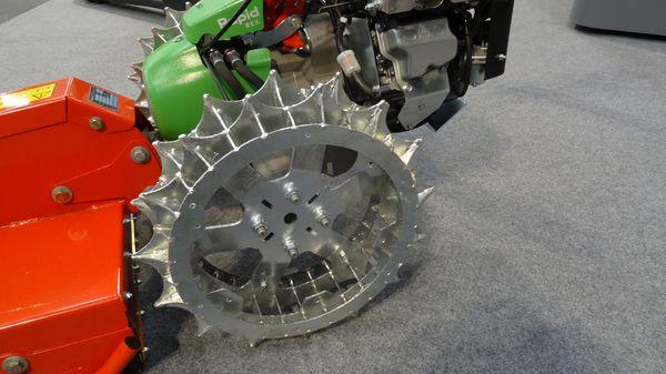 Pouvant être jumelée avec des pneumatiques traditionnels, cette option est un bon compromis