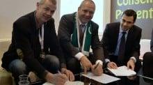 Jean Yves Dagès, Président de Groupama, Stéphane Gérard président de FNCUMA Mutuelle Assurance agricole
