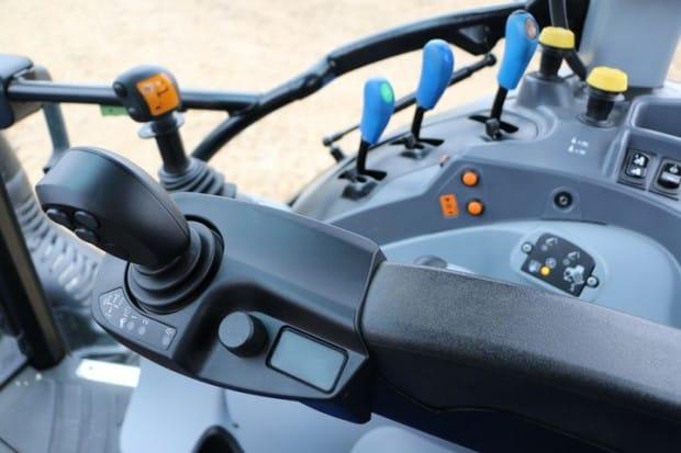 Réglages transmission tracteur T5 new Holland