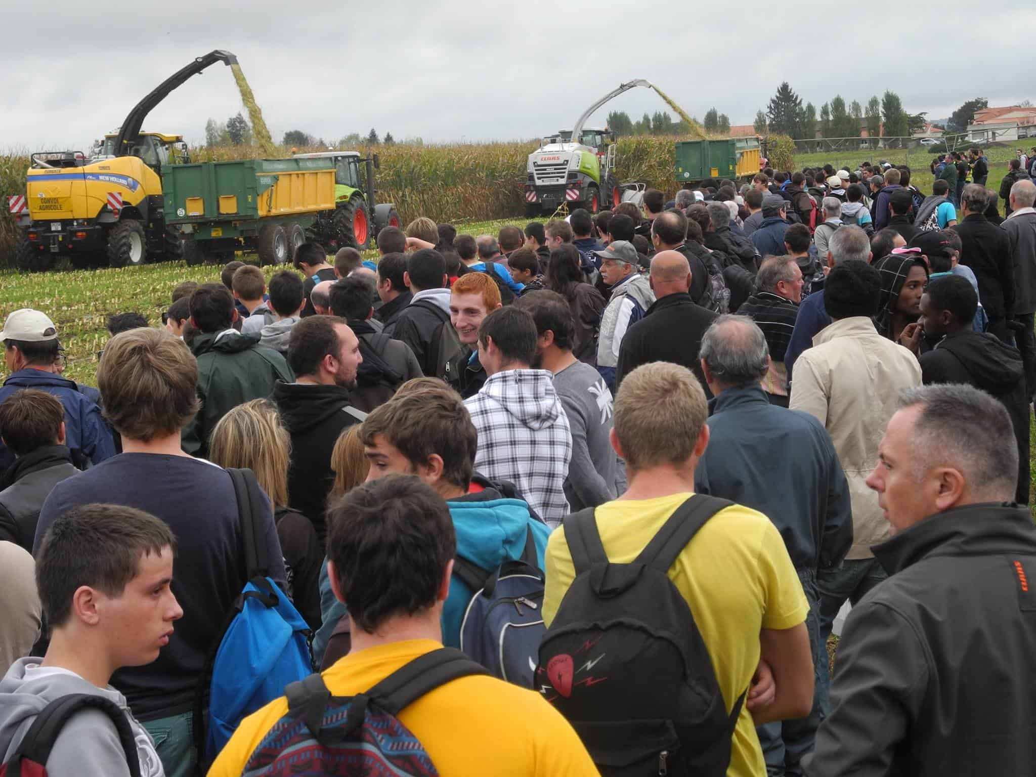 Mecamais salon agricole 2016 demonstration batteuse for Salon du materiel agricole