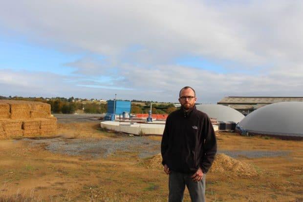 Sébastien Boudet devant le site
