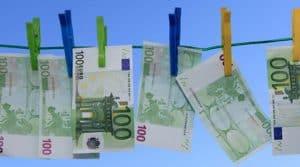 blanchiment, fraude, revente de matériels, pays à risques, banquier, expert-comptable,