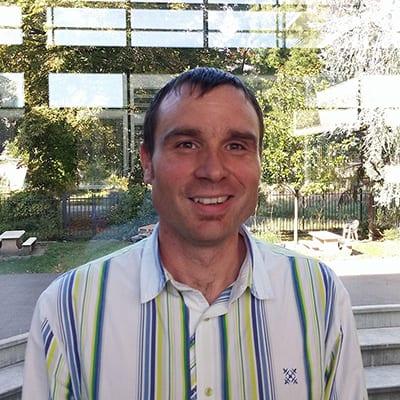 Gilles Cavalli, l'un des deux fondateurs. Formateur « CERTIPHYTO » pour le compte de COOP DE FRANCE RHONE ALPES AUVERGNE