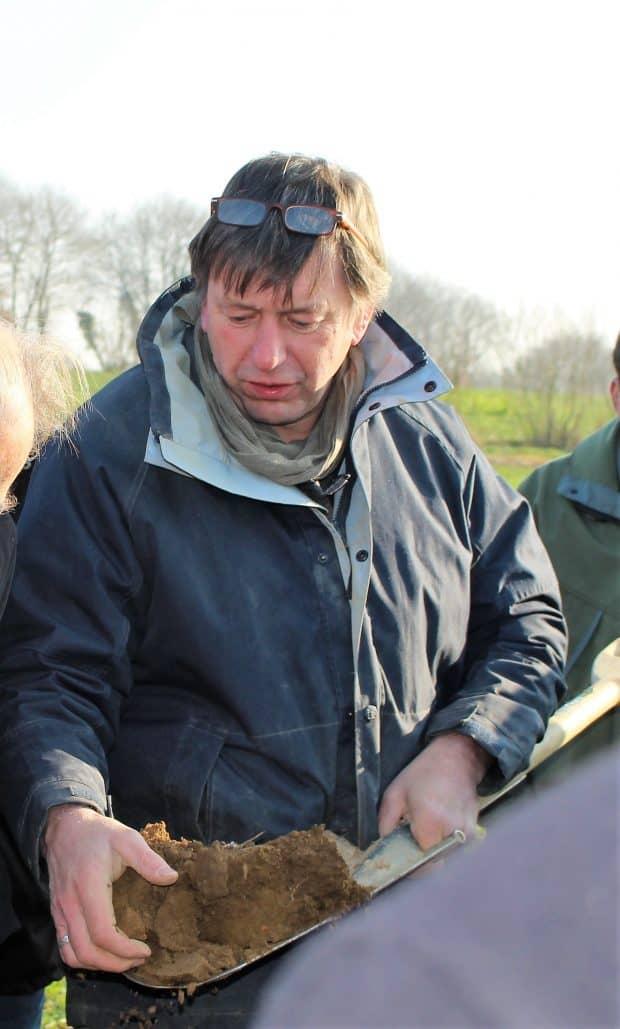 Frédéric Thomas. Agriculteur en Sologne, fondateur et rédacteur en chef de la revue TCS , consultant et formateur en agriculture de conservation.