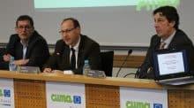 Les trois intervenants à la table ronde de l'assemblée générale de la frcuma Ouest. De g. à dr. : Philippe Royer, Patrick Lemartinel, et Christophe Lambert.