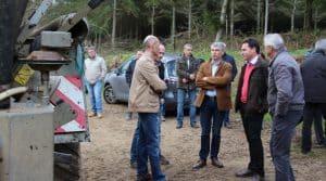 Au pied du matériel, les cuma ont reçu une délégation du conseil régional breton, emmenée par Olivier Allain. C'était l'occasion de rappeler l'importance de soutenir l'intérêt collectif.