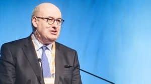 Phil Hogan, commissaire européen à l'Agriculture, prévient les agriculteurs français avant le second tour de l'élection présidentielle.