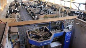 """""""Les montagnes de poudre de lait freinent l'embellie"""".Salle de traite - hors série élevage avril 2017 production lait"""