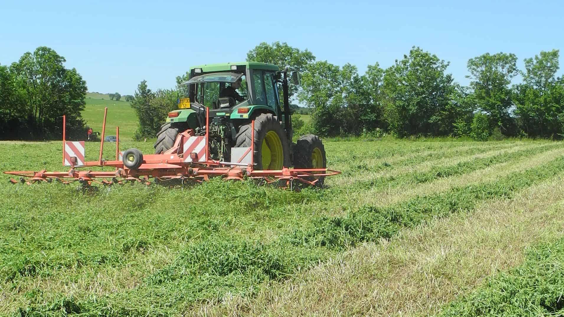 Autonomie fourragère, Arvalis, Chambre d'agriculture Corrèze, Cuma, fenaison, fourrage, prairie associées, récolte, Programme Herbe et Fourrages, MécaFourrages