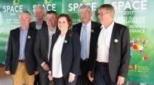 L'équipe du Space dirigée par Anne-Marie Quéméneur et Marcel Denieul (premier sur sa gauche) met un accent de dynamisme sur l'élevage avec cette édition 2017. Rendre l'innovation plus accessible sera une de ses portées.