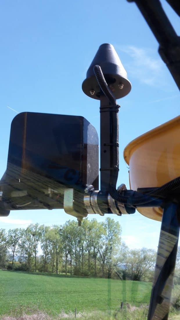 antenne tracteur détecteur de ligne