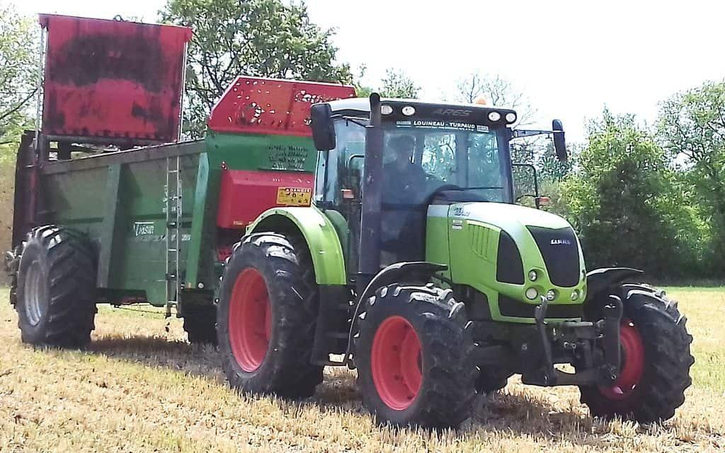 Un tracteur pour notre d broussailleuse pas du luxe entraid - Image tracteur ...