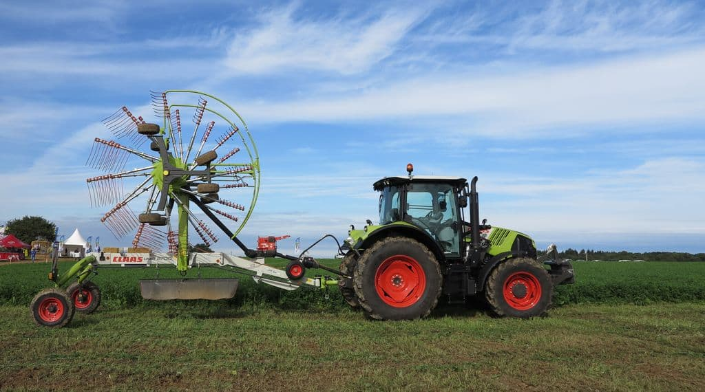 Salon aux champs andaineur claas r colte entraid 39 le for Salon du materiel agricole