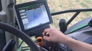autoguidage-tracteur-cuma-entraid-tracteur-john-deere