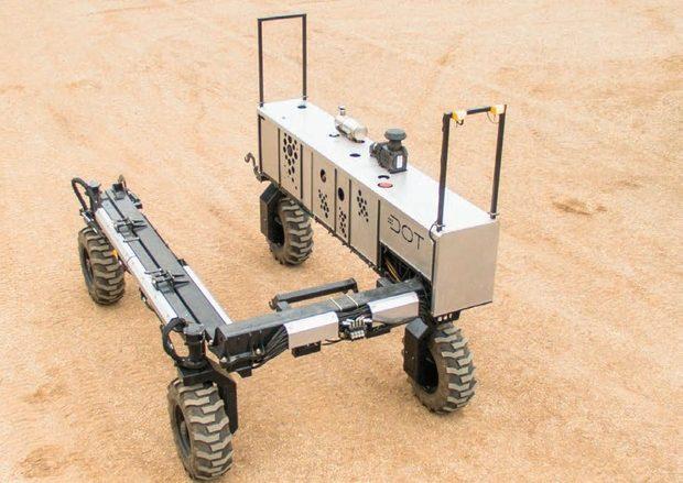 Robot DOT Seedotrun - Châssis en U et quatre roues pivotantes.