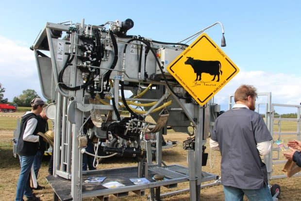 La cage de contention est étudiée pour préserver la santé de l'animal et celle de l'opérateur