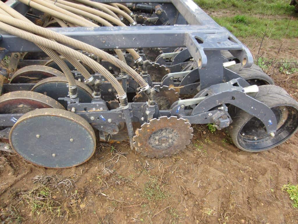 calvados-essai-semoir-sky-agriculture-Easy-drill-disques-SD