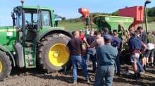 Travailler sur le montage et la pression des pneus: essentiel pour limiter la compaction des sols.