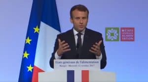 Macron souhaite une transformation profonde du secteur agricole et veut réformer le système de production agricole : il fera également légiférer des ordonnances pour augmenter le revenu agricole.