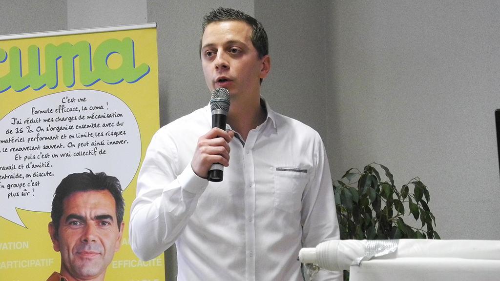 Florian Fremont de la fédération des cuma de Basse-Normandie souligne l'évidence des échanges entre les céréaliers de la Plaine de Falaise et les éleveurs du Pays d'Auge.