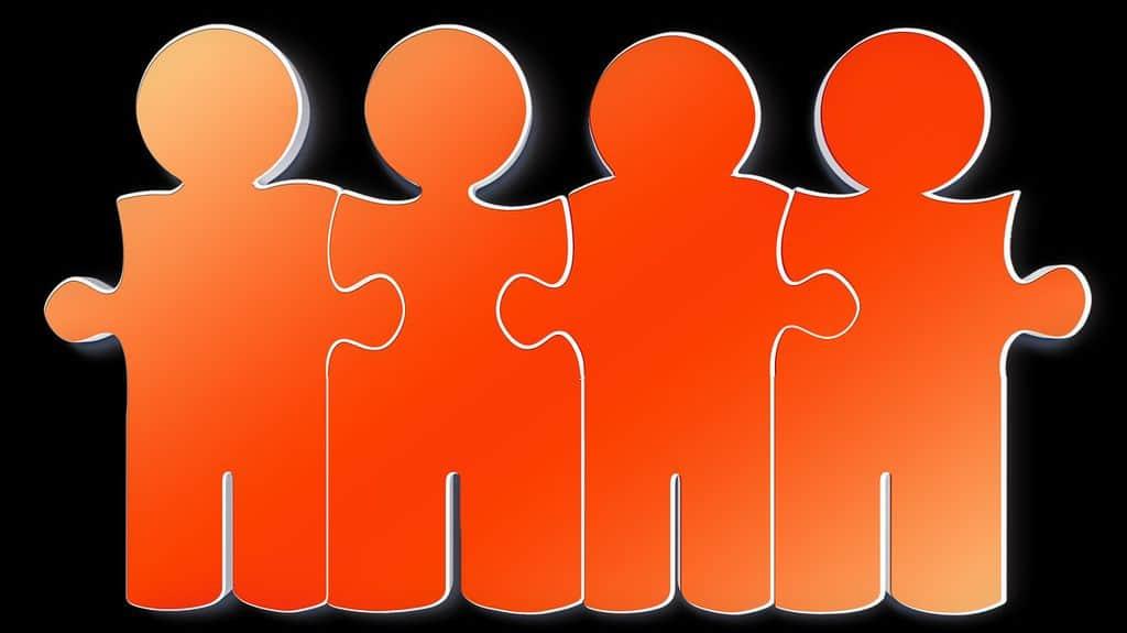 Les mouvements des associés dans le GAEC n'affectent pas les engagements d'activité souscrits puisque la qualité d'associé coopérateur appartient au GAEC