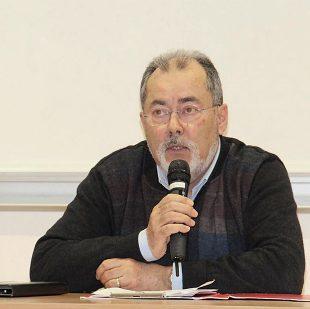 Yves François, agriculteur en Gaec en Isère, pratique l'échange paille-fumier. Des démarches qui restent assez rares entre céréaliers et éleveurs, malgré leurs intérêts agronomique et économique.