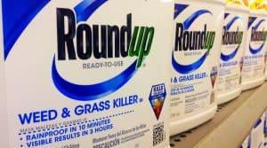 L'Europe décide de prolonger pour cinq ans / macron demande une nouvelle méthode d'évaluation des substances chimiques et une sortie du glyphosate en 3 ans.