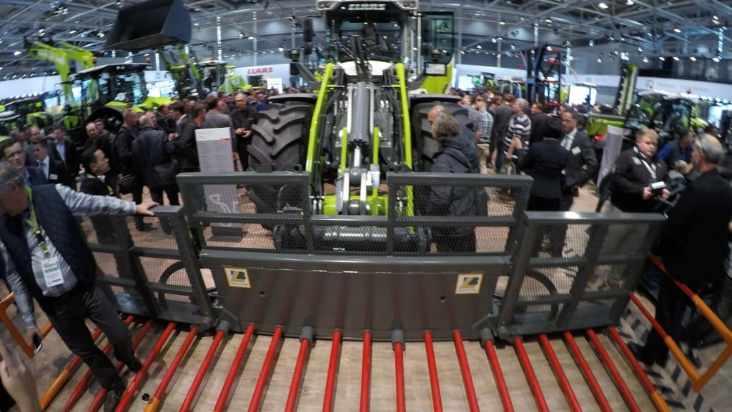 Claas chargeuse articulée