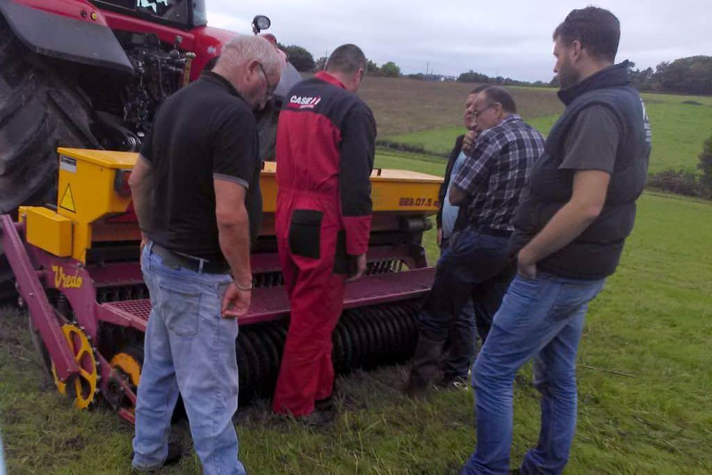 Des facteurs conjuguer pour bien sursemer la prairie - Chambre d agriculture morbihan ...