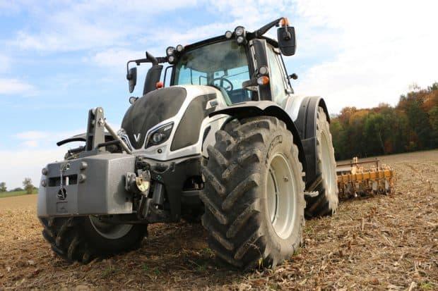 Avis agriculteur tracteur agricole