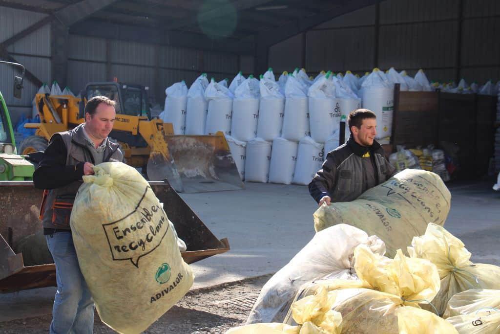 collecte-plastiques-agricoles-sacs-filets-film-baches-fourrage-bidons-triskalia-livraison