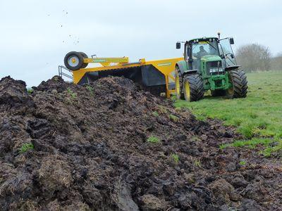 Le compostage fait partie des premiers sujets à avoir été pensés dans le cadre de la cuma départementale de l'Union Fertile 52.