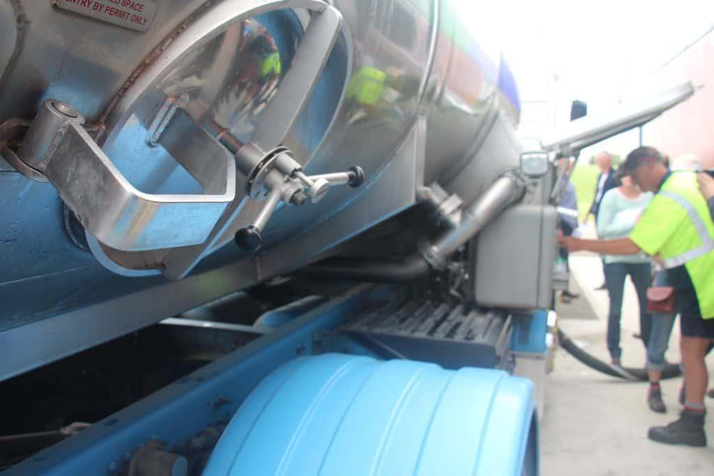 Camion-de-lait-collecte-nouvelle-zelande-transport-logisitque-fonterra-analyse-prelevement