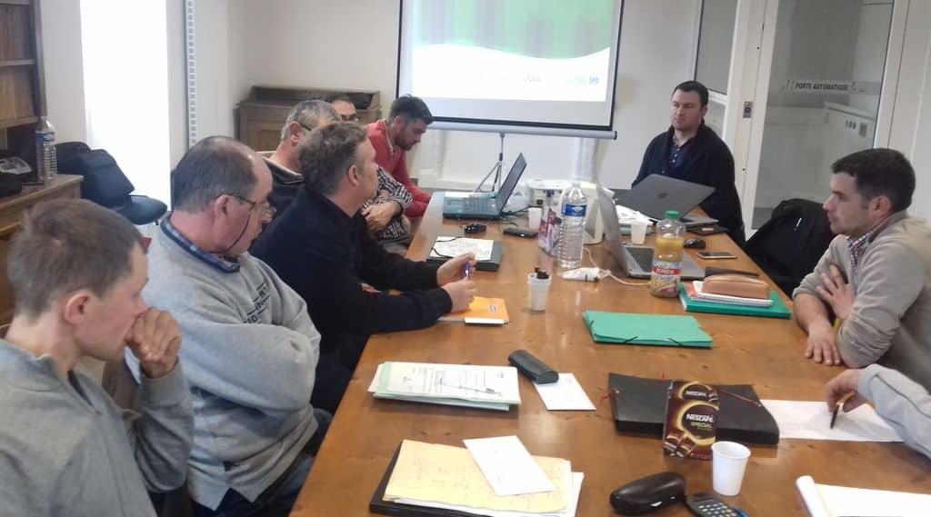 Réunion de formation sur les charges de mécanisation dans la Sarthe