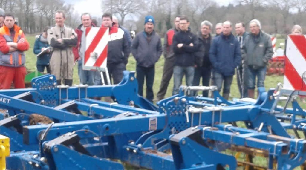 outils destruction mécanique La fédération ille armor a organisé des démonstrations avec huit engins de travail du sol