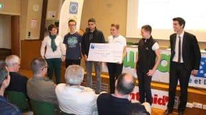 Les deux cuma Val de Veude et l'Idéal en Indre et Loire, ont servi de terrain d'étude aux jeunes élèves ayant participé au concours « A la rencontre des cuma » organisé avec la Banque Populaire.