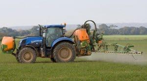 phytosanitaires : réduction de l'utilisation des pesticides et actions du gouvernement (mesures).