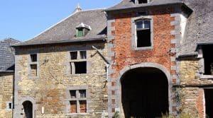 bâtiments agricoles En zone péri-urbaine, trouver de l'immobilier professionnel est parfois compliqué. En Ile de France, on souhaite développer la reconversion des anciens bâtiments agricoles.
