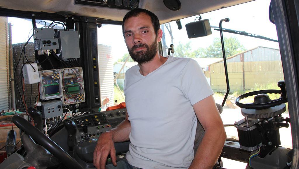 tracteur autonome Valtra T150 Guillaume Gangnolle dans le Loiret
