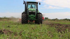 Acheter un tracteur neuf, chaque agriculteur doit se poser les bonnes questions