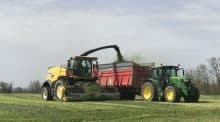 New Holland FR 480 : confort et maniabilité