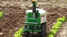 Un robot de désherbage en maraîchage acheté en commun par cinq adhérents de cuma.