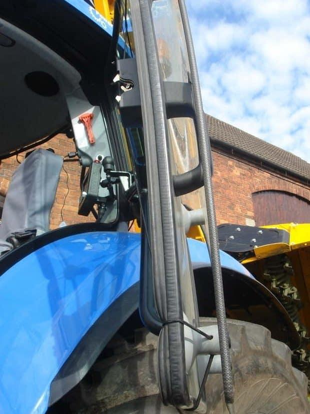 protection des vitres de tracteurs : vitre tractor guard