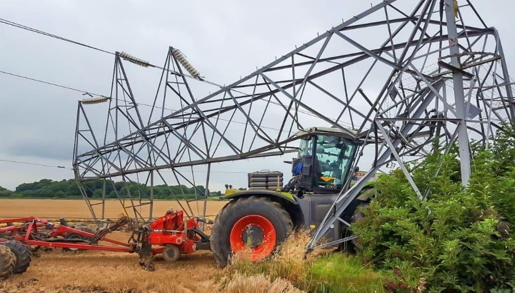 Tracteurs et lignes électriques