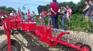 désherbage mécanique en Loire-Atlantique, demonstration de cuma