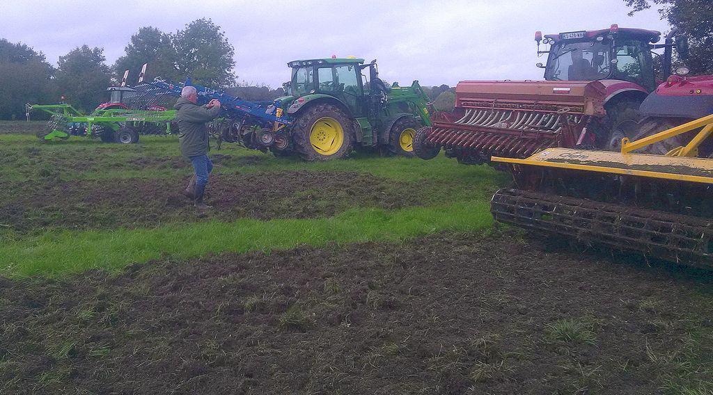 réduction des produits phytosanitaires, démonstration de matériels de destruction des couverts et prairies en Vendée