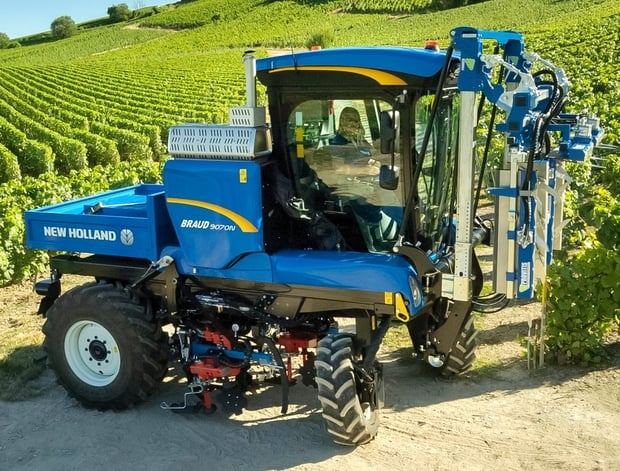 tracteur enjambeur New Holland Braud 9070N